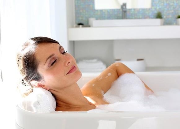 Công dụng của việc tắm nước nóng